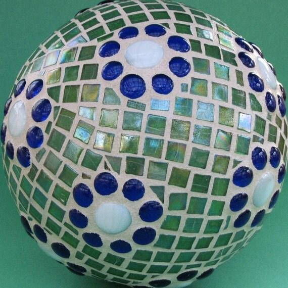 Gazing Ball Mosaic Garden Sphere