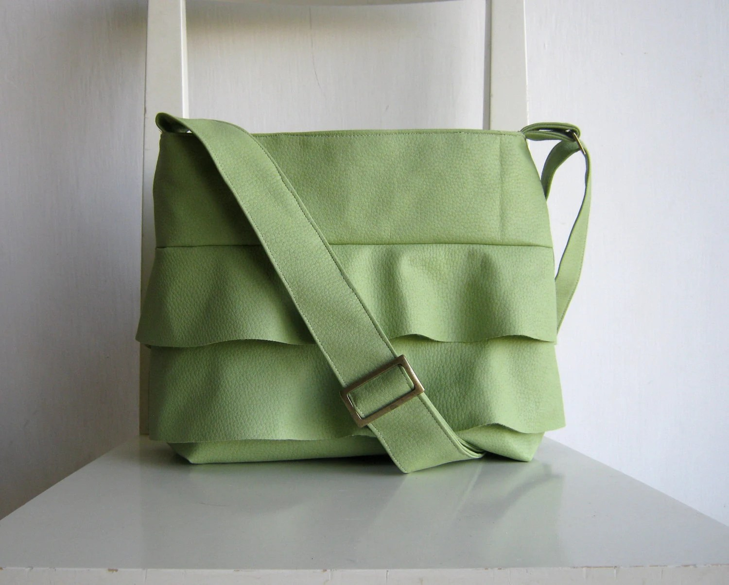 Ruffled Pale Green Bag - Crossbody - rutinet
