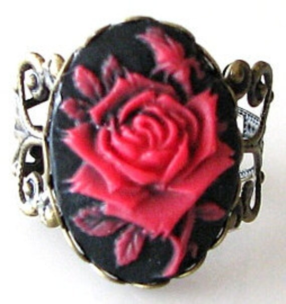 cameo ring, red rose ring, red rose jewelry, adjustable ring, antique brass jewelry, red flower ring, filigree ring, red black