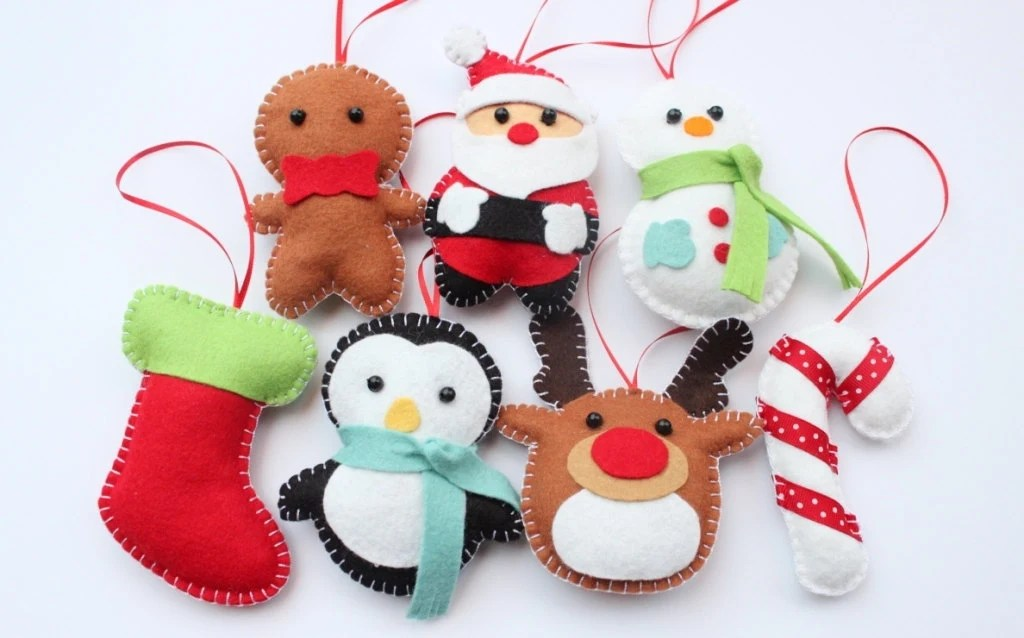 Set Felt Plush Christmas Ornaments - Santa Claus, Snowman, Gingerbread Man, Candy Cane and more - Merry Christmas Decor - Set of 7