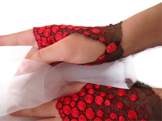 Christmas  Sale Red and black Fingerless Lace Gloves - damlace