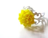 Bright Yellow Chrysanthemum Flower Ring - Glamour365