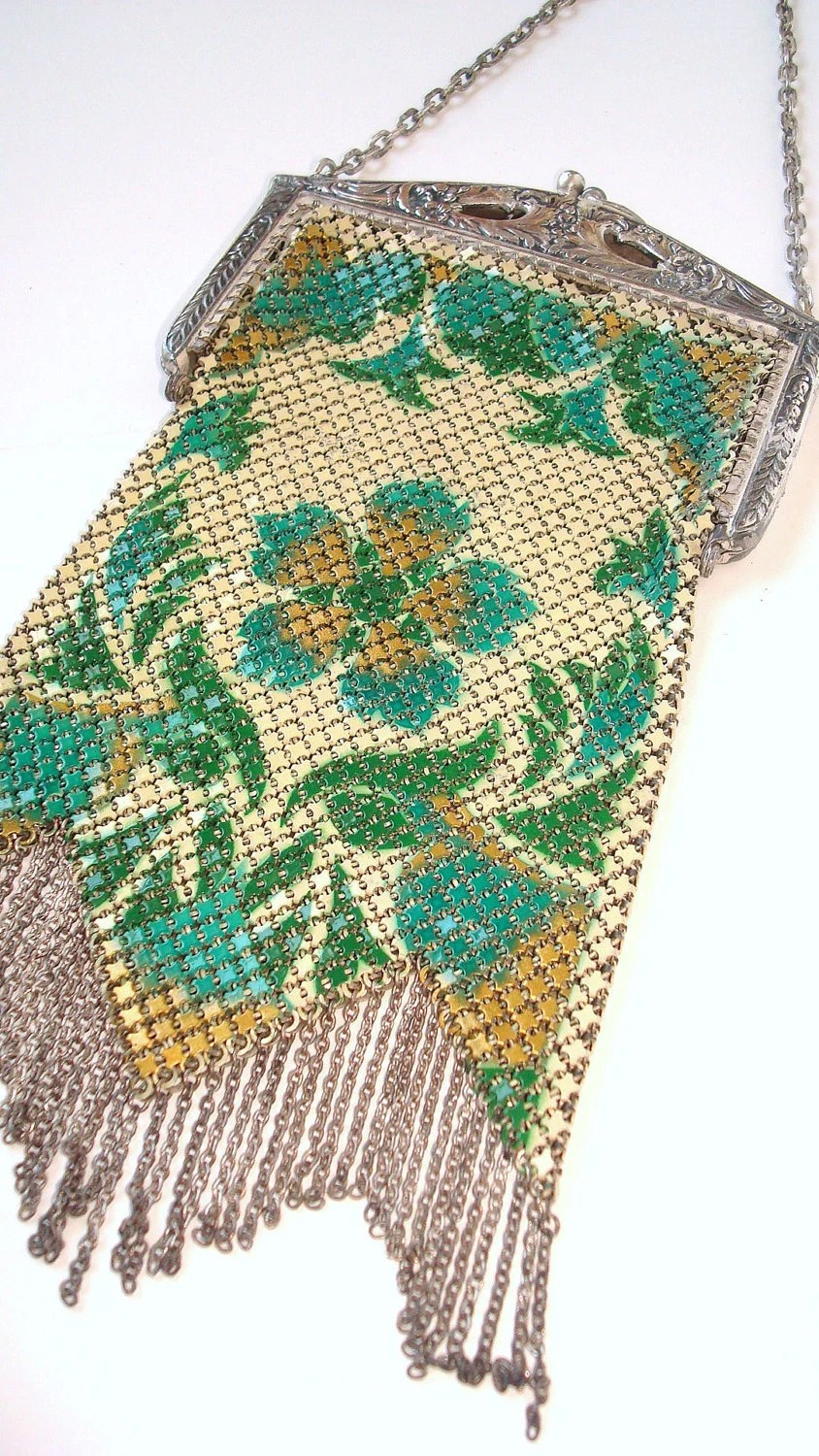 Spectaular 1920's Signed Mandalian Flapper Purse