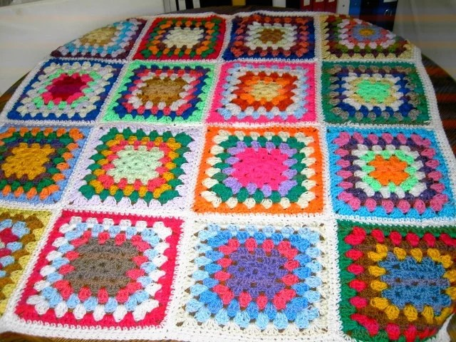 CROCHET BLANKET HANDMADE  Made in tradition granny multi colour style with white border Cuddle Blanket   676