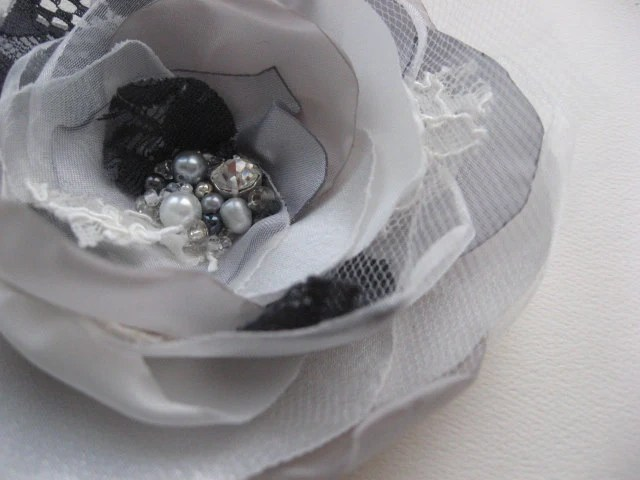 Hair clip and brooch (2 in 1) lace Flower grey ivory tulle pearl rhinestone wedding bridal bridesmaid hairpiece fascinator accessory