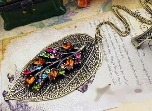 Retro Vintage Style Big Leaf Colorful Crystal Bronze Pendant Bead Long Necklace
