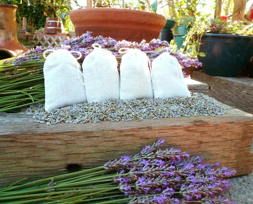 Organic Lavender Sachets in muslin bags - 4 for 5 dollars -- BRIDAL PKG available - pauhana