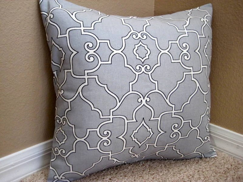 NEW - - (1) 16x16 Geometic Pillow Cover - Grey & White