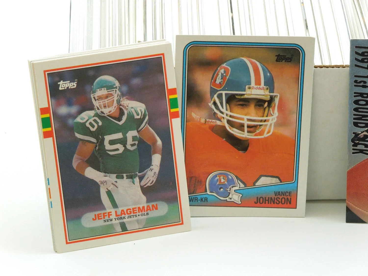 Vintage Football Trading Cards-Gifts for Dad-Set of 500-Father's Day Gift-Collectibles - Moonlightdecorator