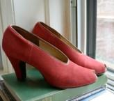 Vintage 1940s Red Stretch Suede Peep Toe Pumps