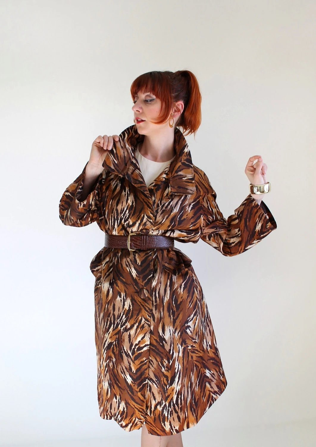Sale- 1960s Raincoat. Trench Coat. Tiger Animal Print. Safari. Tribal Fashion. Mad Men Fashion. Office Fashion. Spring. Summer. Size Large