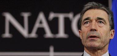Foto: Rasmussen niega que la OTAN vaya a enviar fuerzas terrestres a Libia (© YVES HERMAN / REUTERS)