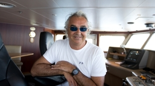 But as a flashback with Gregoraci, Briatore has a new flirtation: the (no longer) secret meeting