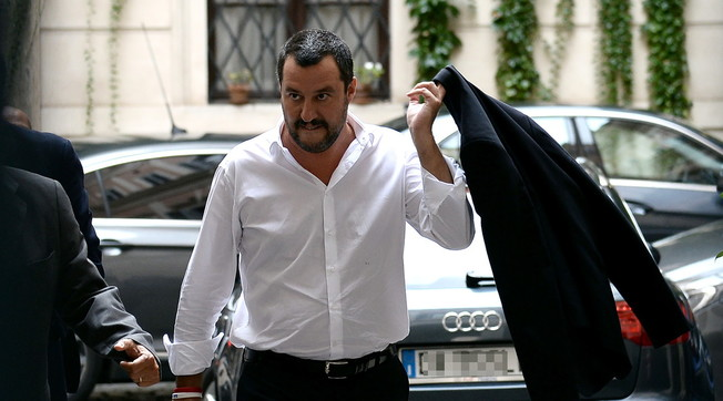 A deep throat from the prosecutor says: acquitted. Indiscreet: immigrants, because Salvini will emerge as a triumpher