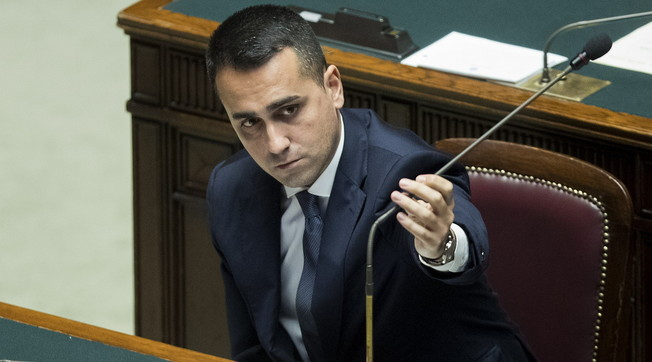 I have faith in Conte's words. Di Maio's threatening pizzino: the grill also wants to kill the premier