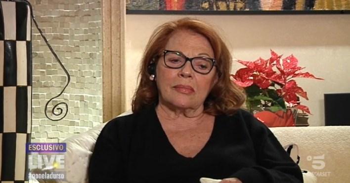 Sembro un neg***o? Soffro. Valeria Fabrizi devastata a Striscia la notizia: come la stanno umiliando
