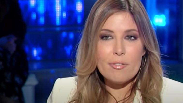 """Selvaggia Lucarelli, video-choc da Dubai: """"Sputi su ascensori e maniglie"""". La vergogna dei ragazzi italiani positivi"""