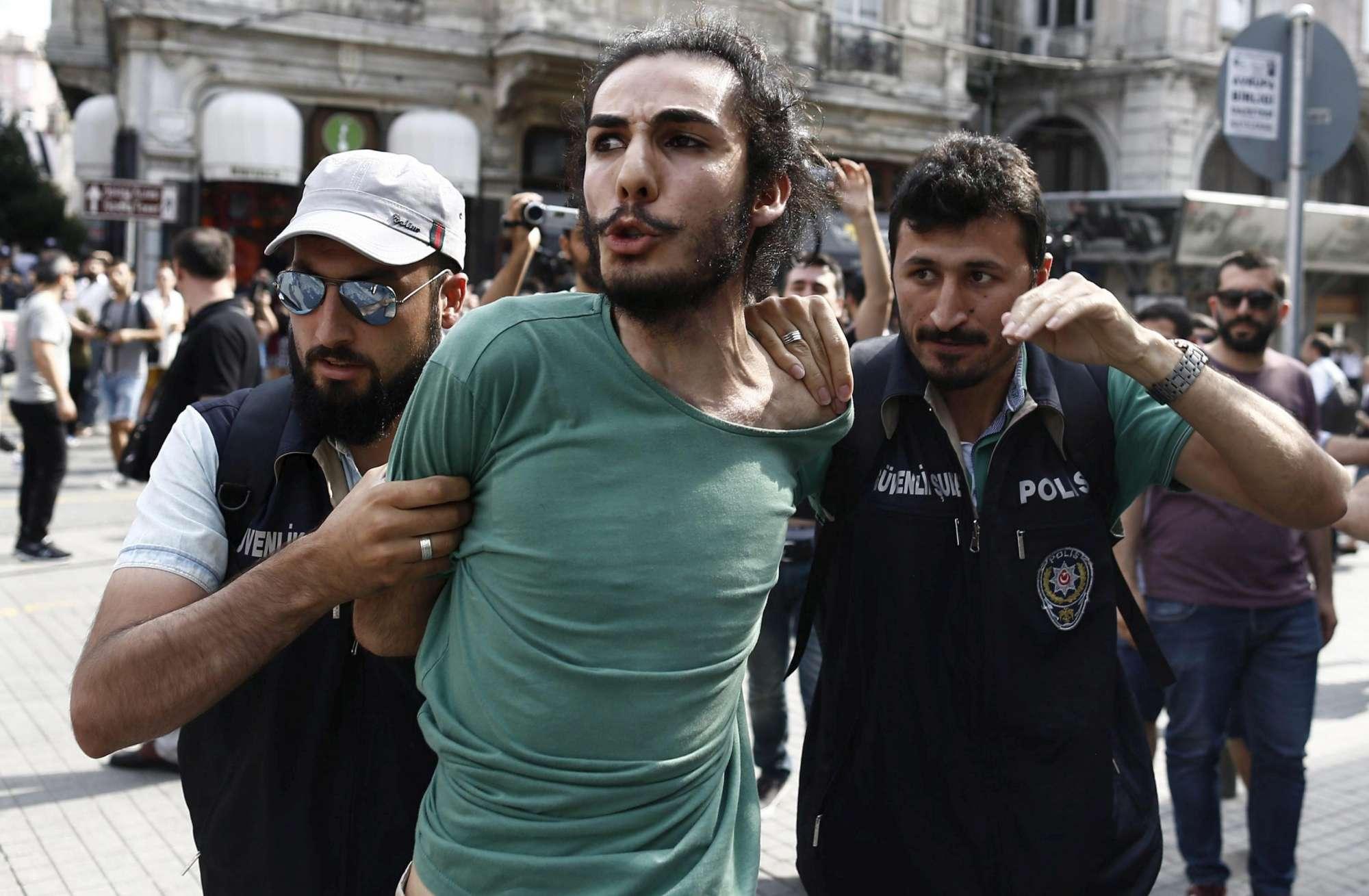 Risultati immagini per omosessuali arrestati a istanbul