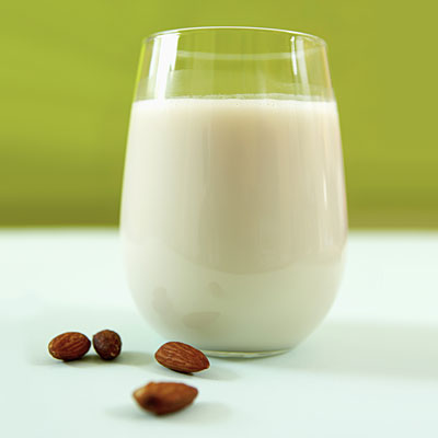 almond-milk-crohns