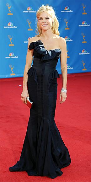 2010 Emmy Awards Fashion - Julie Bowen