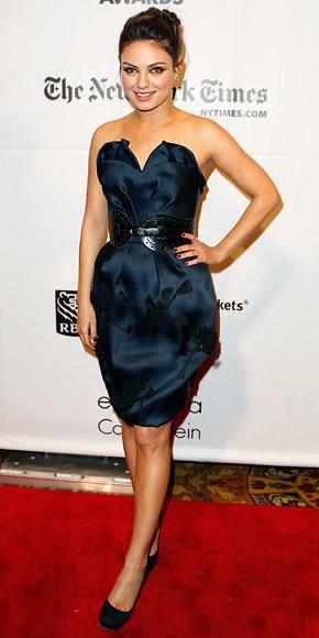 Mila Kunis in Oscar de la Renta