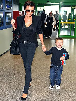 Victoria Beckham And Cruz Say Ciao Moms Amp Babies