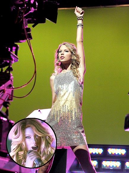 TAYLOR HERO! photo   Taylor Swift