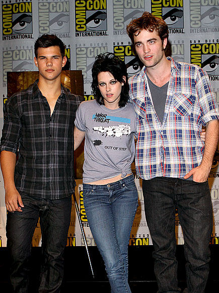 'TWILIGHT' TRINITY photo | Kristen Stewart, Robert Pattinson, Taylor Lautner