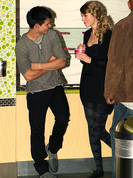 9. HE'S A GREAT DATE photo | Taylor Lautner, Taylor Swift