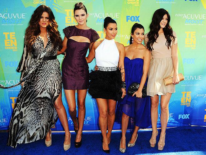 THE KARDASHIANS AND JENNERS photo | Khloe Kardashian, Kim Kardashian, Kourtney Kardashian