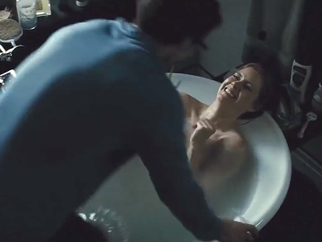 Amy Adams Explains Why the Bathtub Scene from Batman v Superman Was the Most Memorable