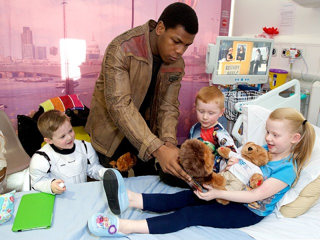 Cute Alert! John Boyega Surprises Sick Children with Star Wars Toys| Star Wars, Real People Stories, John Boyega