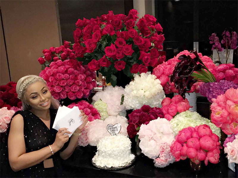 Rob Kardashian Gifts Blac Chyna 28 Bouquets of Flowers – with 28 Cards! – for Her Birthday| Birthday, TV News, Blac Chyna, Rob Kardashian