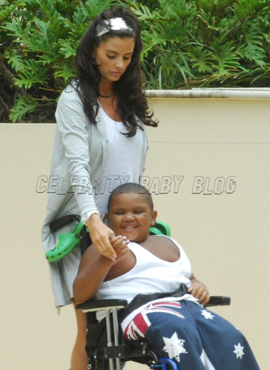 Katie Price, Peter André and kids in Australia - Moms ...