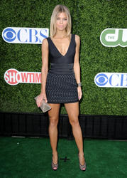 AnnaLynne McCord in sexy low-cut black dress showign her legs and breast at 2010 CBS Summer Press Tour Party - Hot Celebs Home