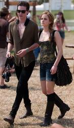 Emma Watson cleavagy at Glastonbury Music Festival - Hot Celebs Home