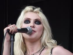 Taylor Momsen leggy in stockings and skimpy outfit at 2010 Vans Warped Tour with The Pretty Reckless at Parc Jean Drapeau in Montreal - Hot Celebs Home
