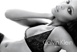 Zoe Saldana in lingerie for new calvin klein underwear ads - Hot Celebs Home