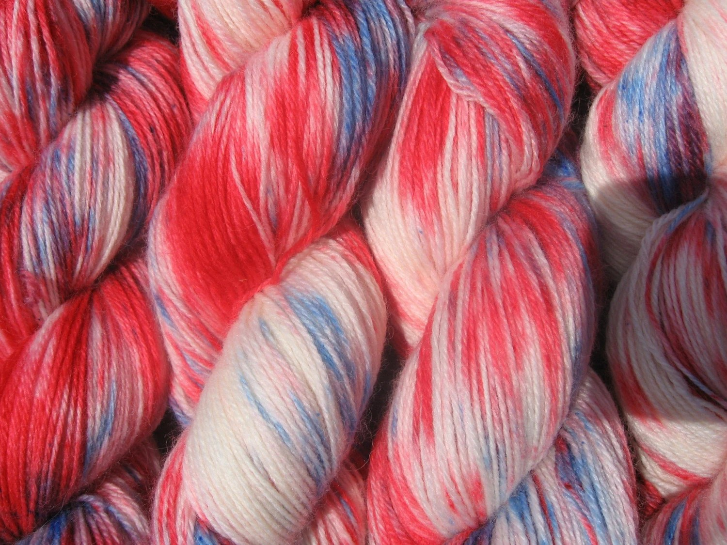 Fireworks, superwash wool and nylon fingering sock yarn, 4 oz