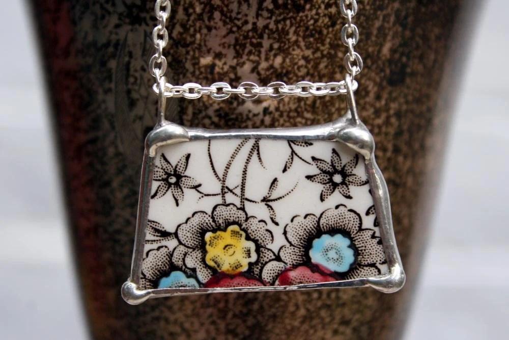 Vintage Star Flower Bouquet Ceramic Necklace - asthecrowfliesandco