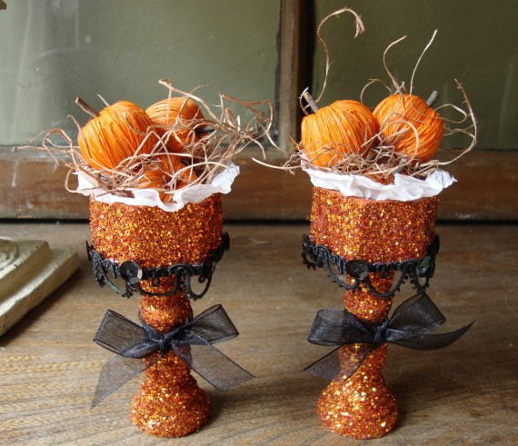Halloween glittered pedestals orange pumpkins table decor Set of 2 Orange Halloween mini pumpkins on pedestals orange and black - PaperAndMache