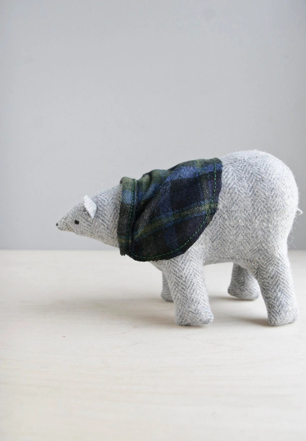 polar bear with cape / soft sculpture animal