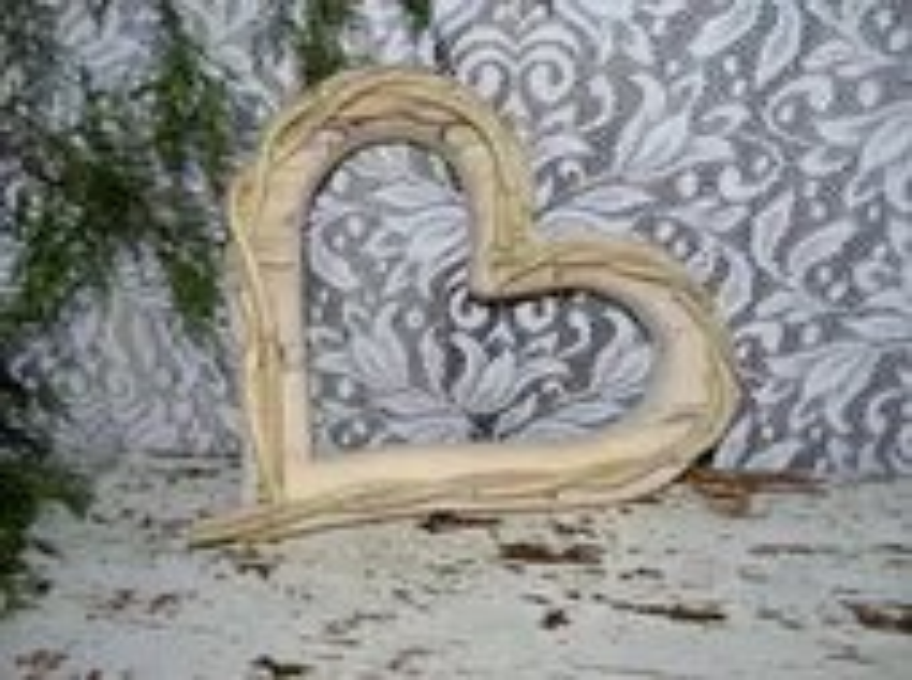 Rustic Wood Heart frame Cabin Cottage Decor Wedding Photo props - hensnesttreasures
