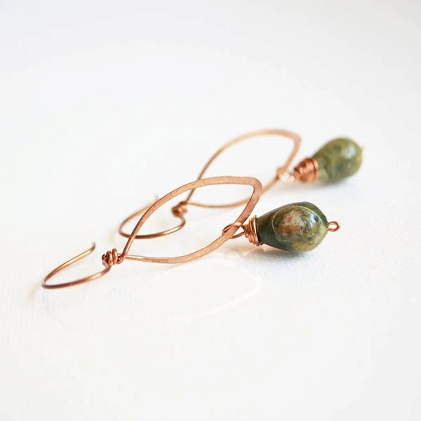 Simple hammered earrings - copper and rhyolite drops - arrabeska