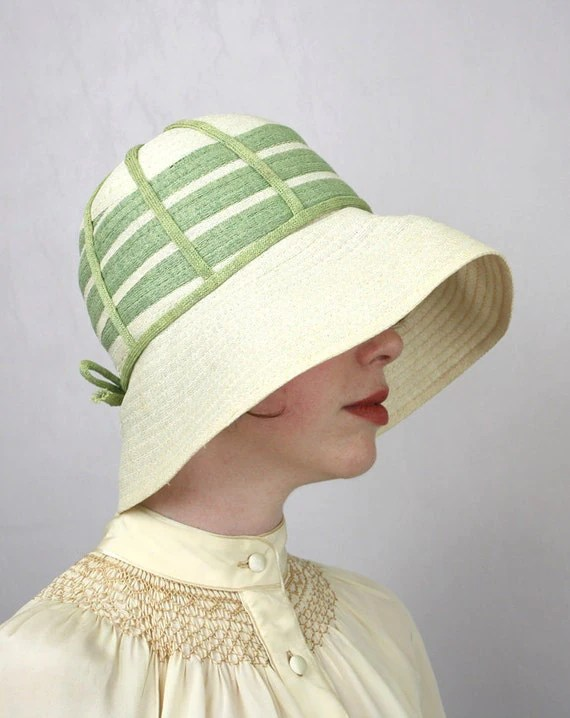 vintage 1920s hat / straw cloche / meet me at the garden gate