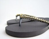 Grey decorated flip flops. Grey rubber sandals opal gems, gold and silver strings. - streetcats