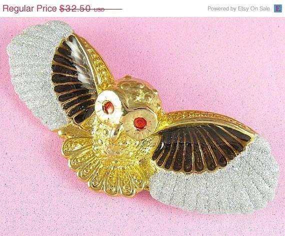Vintage Owl Brooch - avintagejewel