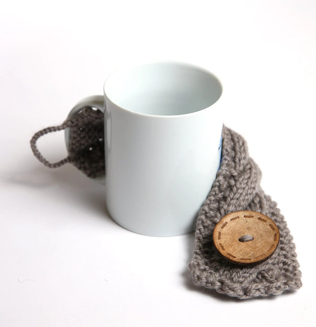 Knitted mug cozy, tea cup cozy,  coffee sleeve, gray, warmer - shumshu