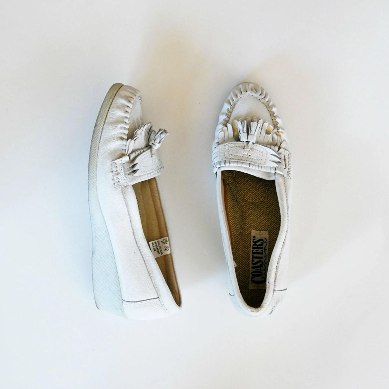 vintage FRINGE moccasins  /  1980s PLATFORM white leather booties - vintagemarmalade