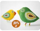parrot pins - felted birds - moloco